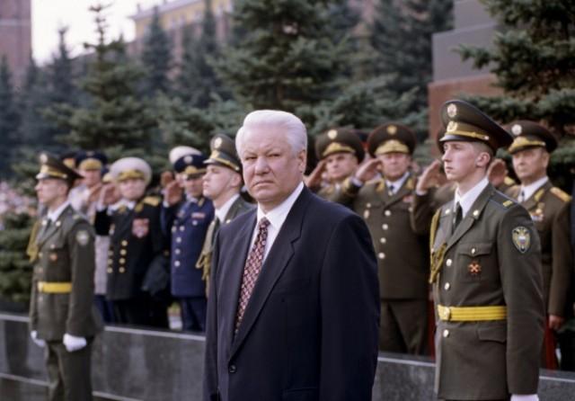 Министр обороны РФ - Ельцин