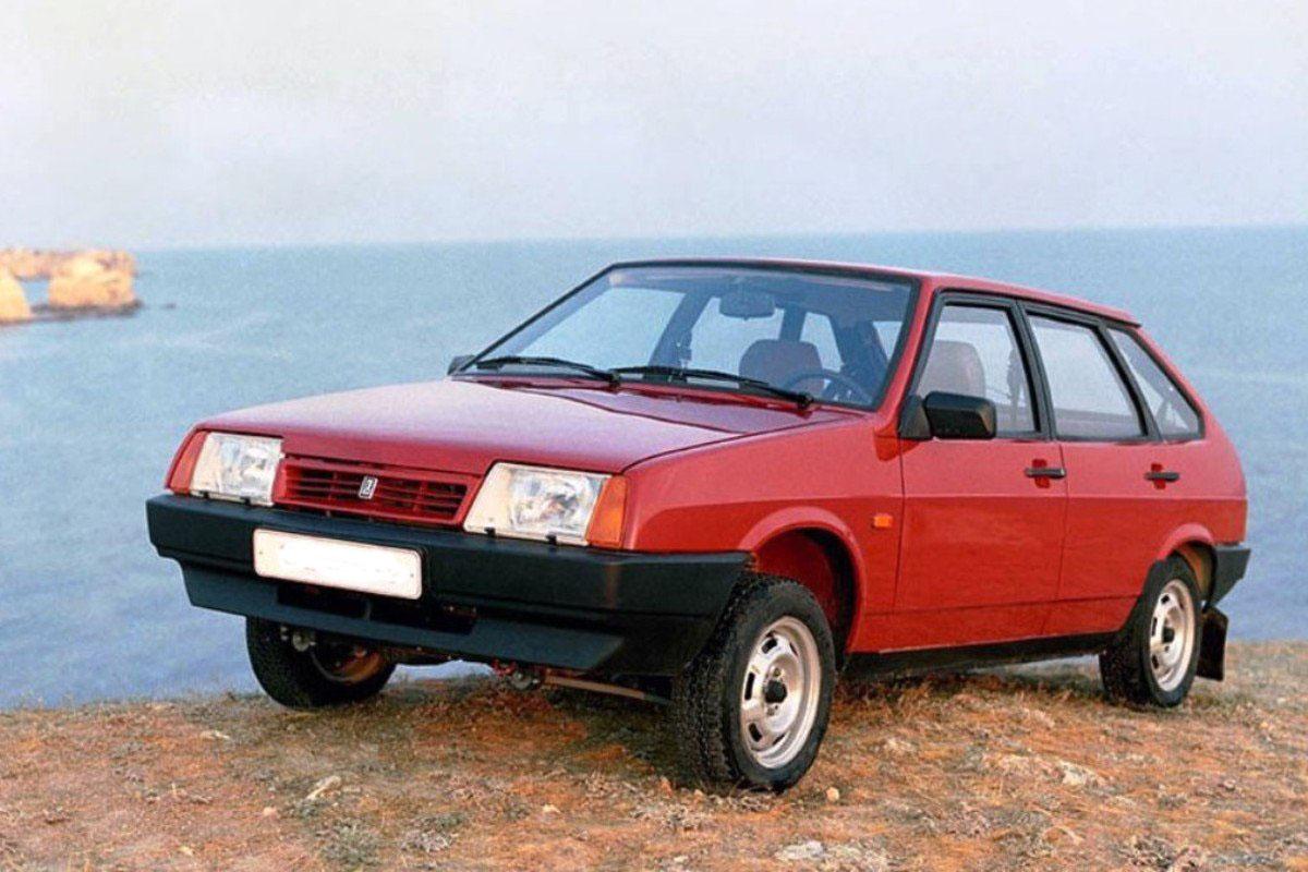 Автомобиль ВАЗ-2109: «Вишневая девятка»